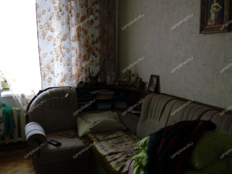 трёхкомнатная квартира на улице Краснодонцев дом 3