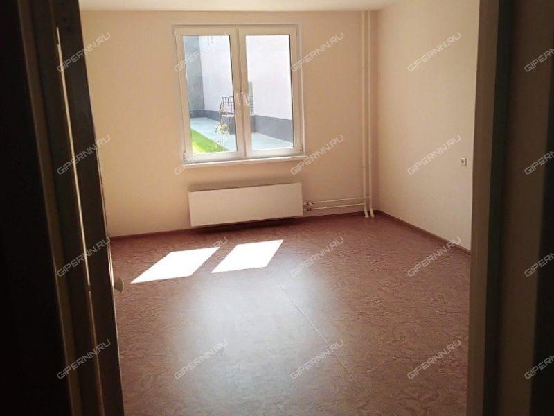 трёхкомнатная квартира на улице Бурнаковская дом 103