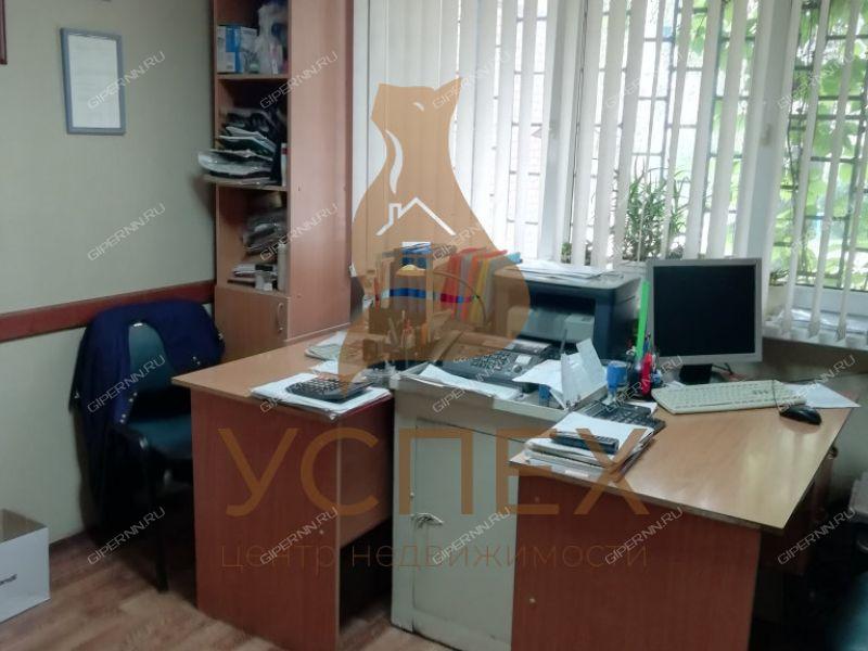 помещение под офис на улице Героя Советского Союза Поющева