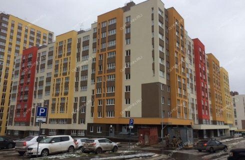 2-komnatnaya-ul-romantikov-d-5 фото