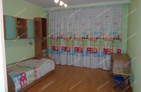 3-komnatnaya-ul-1-ya-oranzhereynaya-d-28a фото