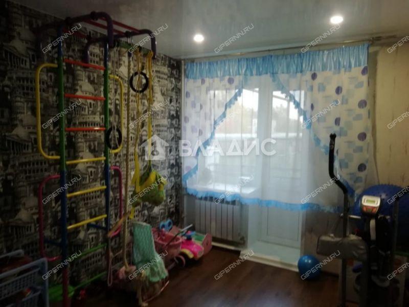 четырёхкомнатная квартира на улице Школьная дом 2 село Линда