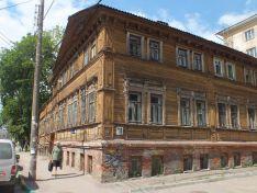 Какие квартиры выставлены на продажу в старинных домах Нижнего Новгорода?