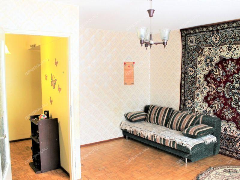 трёхкомнатная квартира на улице Гвардейская дом 10 посёлок Мулино